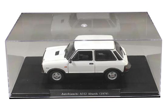 Autobianchi A112 Abarth 3 Türer Weiss 1979 Mit Sockel und Vitrine 1//24 Modellcar