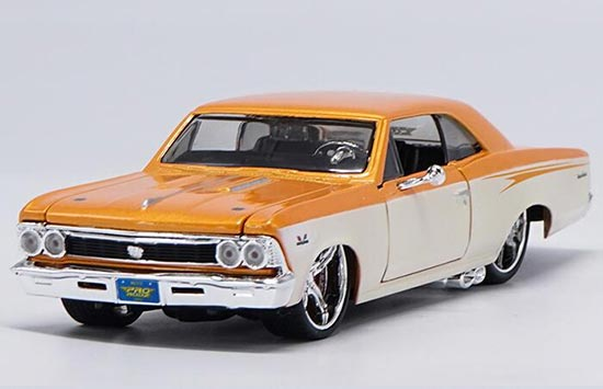 1966 Chevy Chevelle SS 396 Coupe Diecast Car 1:24 Maisto 8 inch Blue